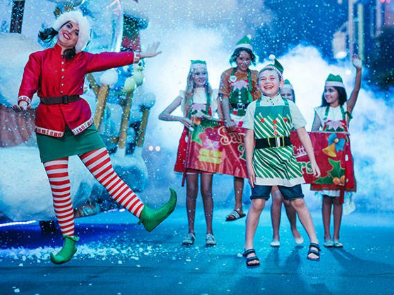 Best Gold Coast Attractions – White Christmas at Movie World