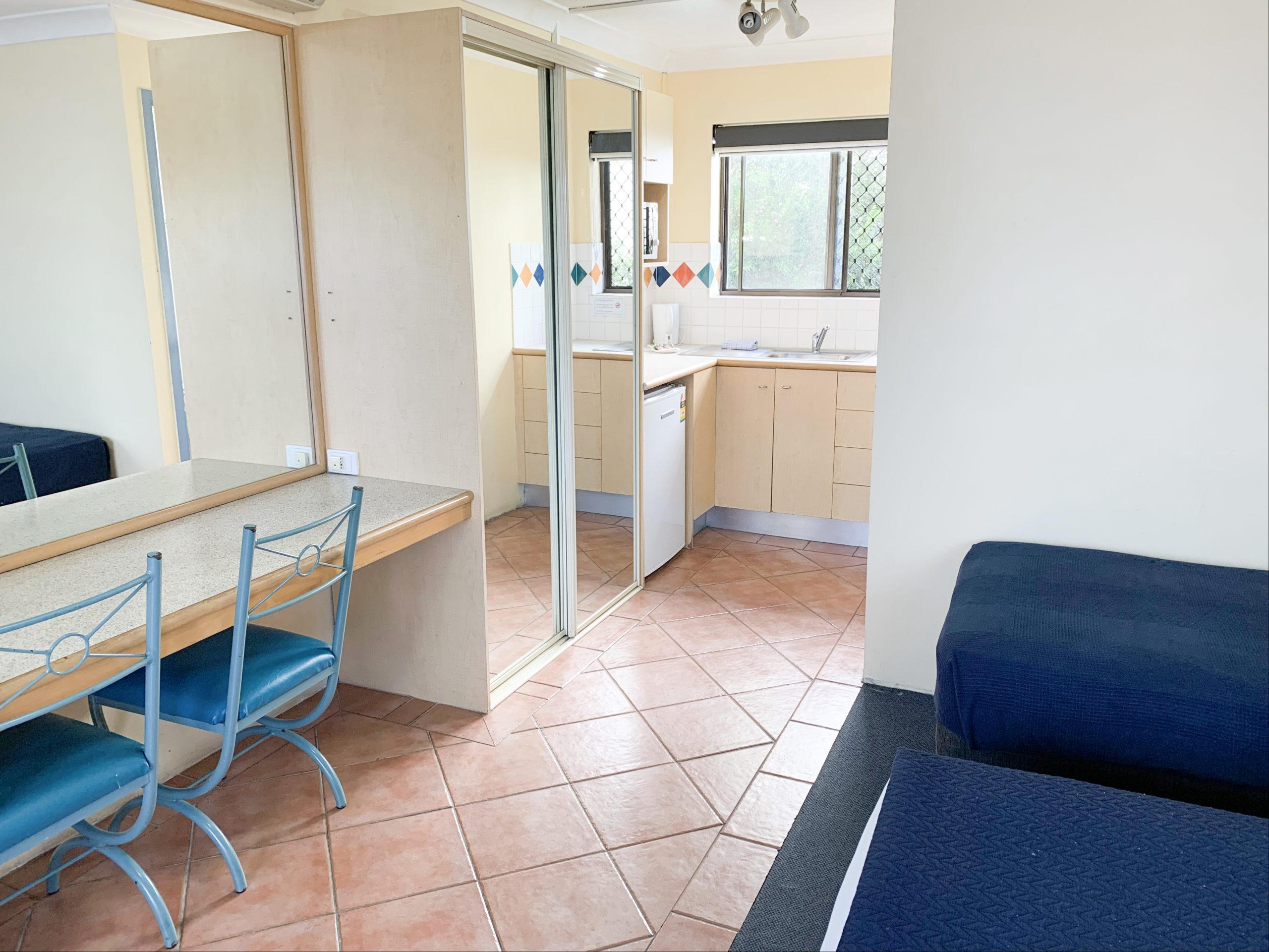 harbourside-resort-gold-coast-studio-apartment-living
